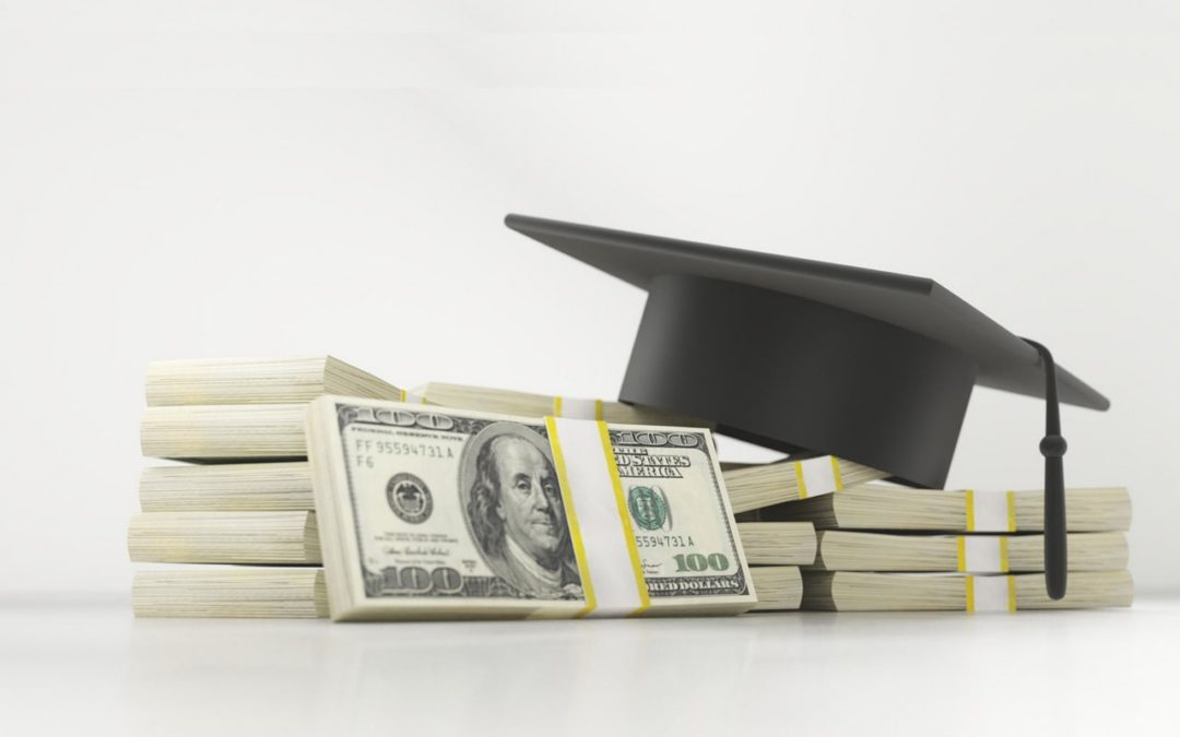 How to Save Money In College: The Ultimate Guide for 2018