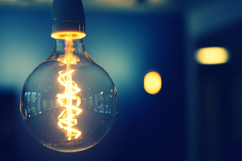 9 Ways to Save on Energy Bills This Month | Budgeting Couple