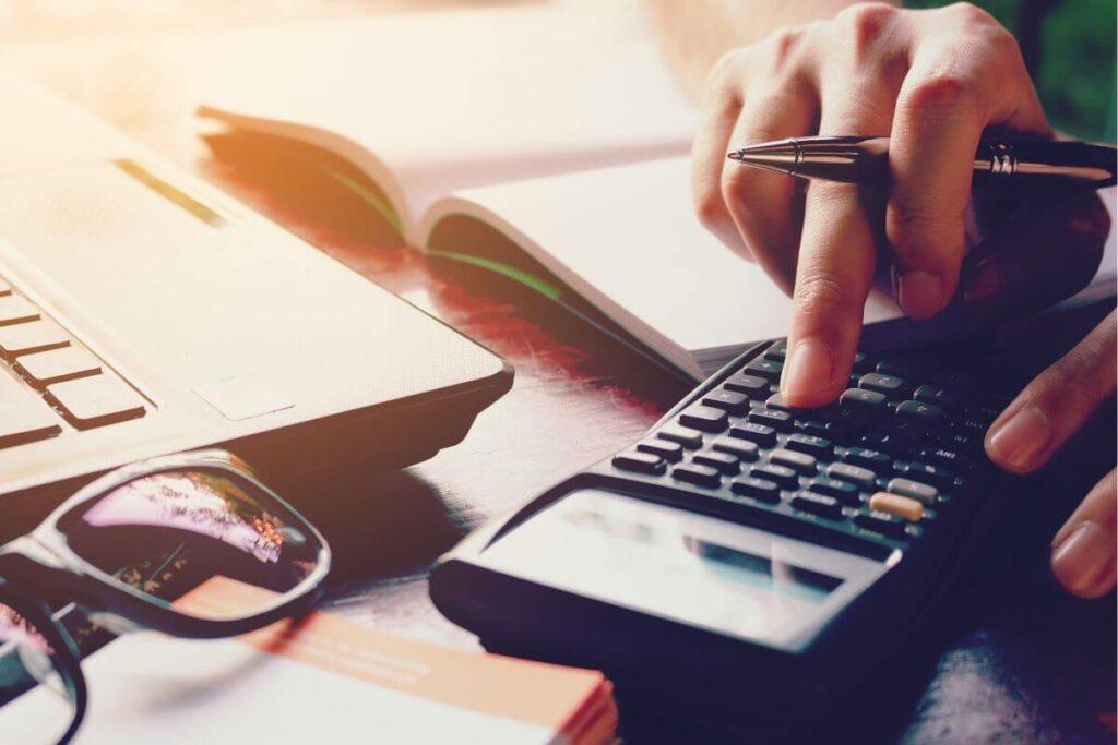credit card debt refinancing vs. credit card debt consolidation