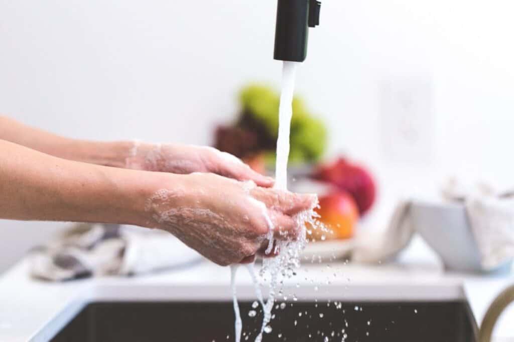 hacks to avoid getting sick: hygiene