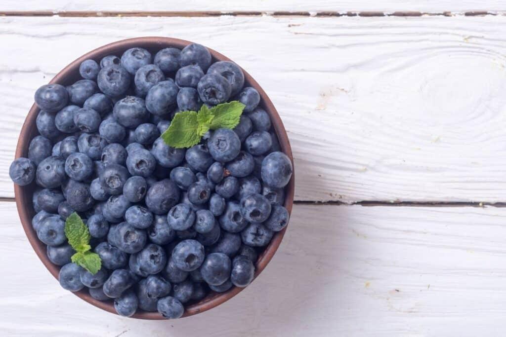 hacks to avoid getting sick: eat healthy