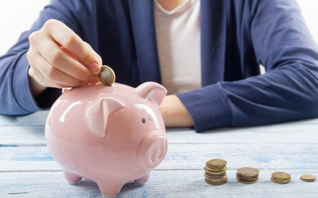 How to Live on Less Money: 42 Hacks to Thrive